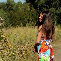 Девушка в платье из ситца... :: Екатерина Торганская
