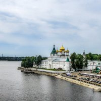 Свято-Троицкий Ипатьевский монастырь. :: Владимир Безбородов