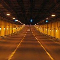 В тоннеле южной части Комплекса защитных сооружений Санкт-Петербурга от наводнений :: Елена Павлова (Смолова)