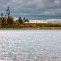 Осень, пасмурный полдень... :: Александр Никитинский