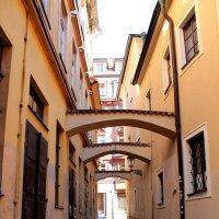 Безлюдная улочка в Праге :: Александра Романова