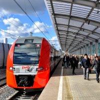 Прибытие поезда :: Анатолий Колосов