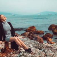 Солнечные ванны на набережной :: Оксана