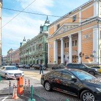 По улицам Москвы :: Валерий Пегушев
