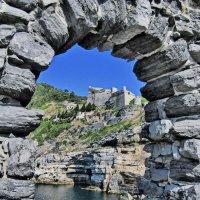 Вид на замок Кастелло Дориа :: Андрей K.