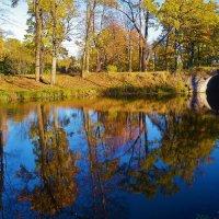 Отражения у милого мостика... :: Sergey Gordoff