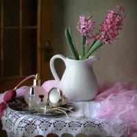 Этюд с розовым гиацинтом :: lady-viola2014 -