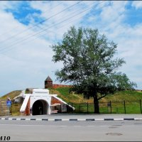 Азов. Крепостные ворота и Крепостной (турецкий) вал :: Нина Бутко