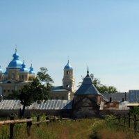 Обходим монастырь с другой стороны... :: Елена Павлова (Смолова)