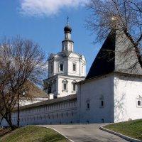 Монастырские стены :: Анатолий Колосов