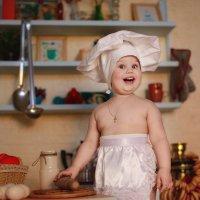 Маленький поварёнок Ульяна :: Маша Сашина