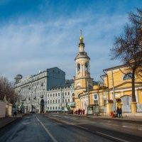 Мартовское солнце. Москва, Солянка. :: Alexander Petrukhin