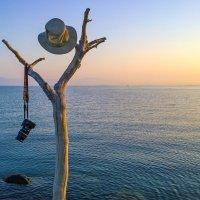 Автопортрет на морском берегу :: Валерий Кишилов