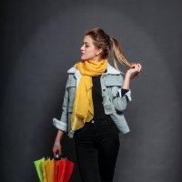 Жёлтый шарфик :: Natalia Petrenko
