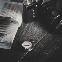 Книга, часы, Zenit... :: Liliya