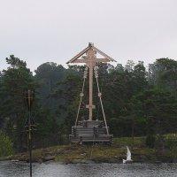 Поклонный крест на входе в Монастырскую бухту :: Елена Павлова (Смолова)