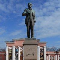 Памятник Ивану Павлову :: Tarka