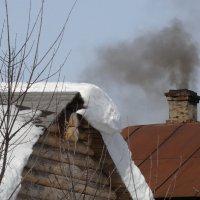 Контраст с дымком :: Валерий Чепкасов