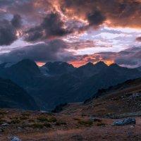 Закат над долиной Псыша :: Скан