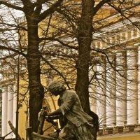 Царь- плотник памятник Петру на Адмиралтейской набережной :: Елена