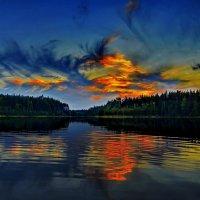 Закат над озером Саркоярви. :: Владимир Ильич Батарин