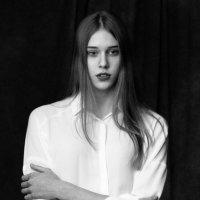 Портрет ,классическая студия :: Оксана Кузьмина
