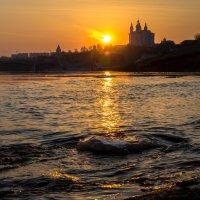 Восход солнца на Днепром. :: Олег Козлов