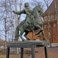 Памятник Императрице Елизавете возле Дворца царя Алексея Михайловича :: Александр Качалин
