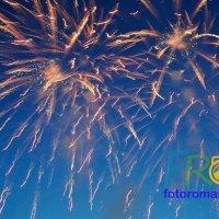 Салют на фестивале в Болгарии :: Роман Фоторомарио