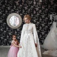 юная помощница на сборах невесты :: Батик Табуев