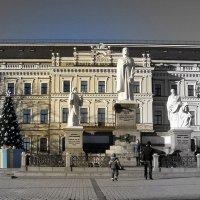 Памятник княгине Ольге :: Лара Амелина
