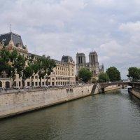 Уголок Парижа :: Валерий Подорожный