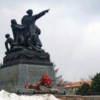 Памятник генералу Ефремову. Вязьма. :: Юрий Шувалов