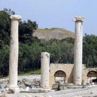 Колонада древнего города. :: Валерьян