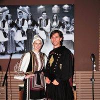 Греки в национальных костюмах :: Валерий Подорожный