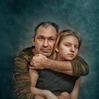 Папа с дочкой :: Roman Sergeev