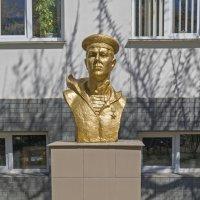 Памятник В.В. Ходыреву :: Zinaida Belaniuk