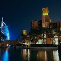 Дубай вечерний :: Валерий Живило