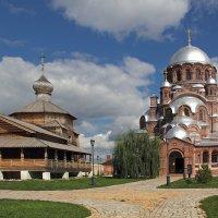Храмы Предтеченского монастыря. Свияжск :: MILAV V