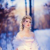 Задумчивая повелительницам снежинок :: Наталья Долотова