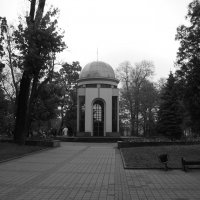 В   Мемориальном   Сквере   Ивано - Франковска :: Андрей  Васильевич Коляскин