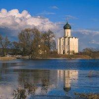 Весна у Покрова :: Сергей Цветков