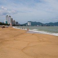 Пляж в Нячанге. Вьетнам :: Ruslan