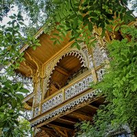 Домик окнами в сад... :: Александр Бойко