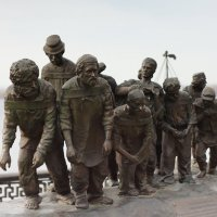 Бурлаки на Волге :: Юрий Колчин