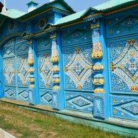Резные ворота в этнографическом музее в г.Улан-Удэ п.Верхняя Березовка :: Никита Козырев