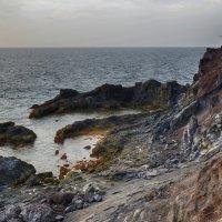 Скалистый берег :: Valeriy(Валерий) Сергиенко