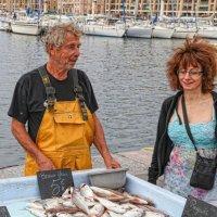 Рыбный рынок.Марсель :: Владимир Леликов