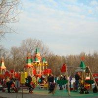 В детском парке им.Юрия Гагарина :: марина ковшова