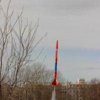 Ракета уходит в небо :: Вера Моисеева